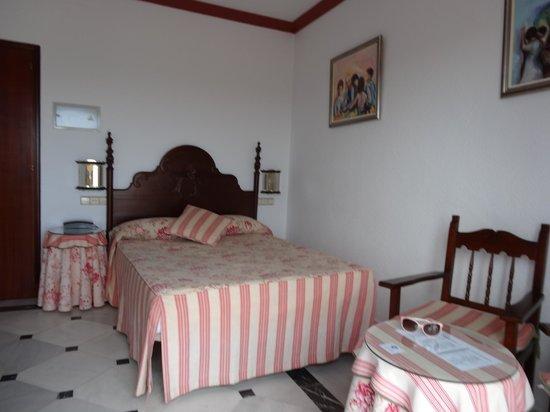 Hotel El Convento: Spacious room
