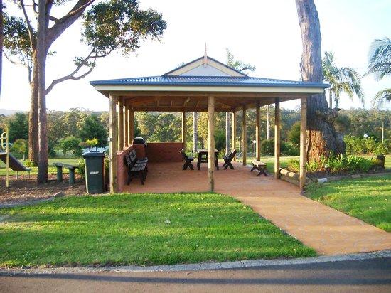 Tabourie Lake Motor Inn Resort : Resort area