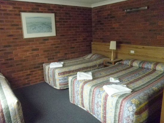 Tabourie Lake Motor Inn Resort : Holiday accommodation