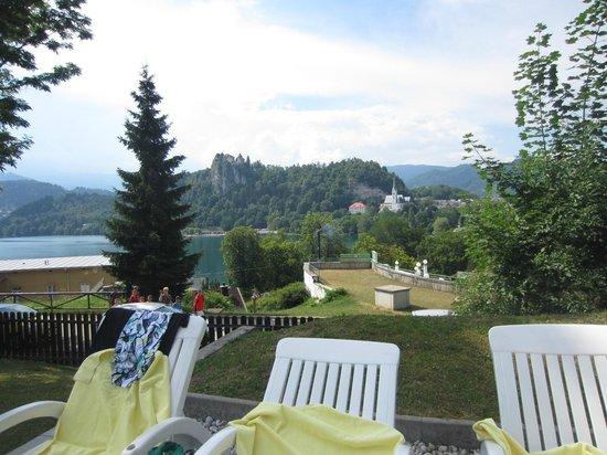 Hotel Trst: Utsikt från poolområdet