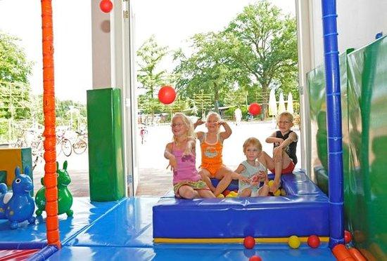 Antoons Restaurant: Kinderen spelen gratis in de indoor speeltuin