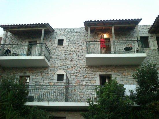 Kastro Maini Hotel: Exterior room view