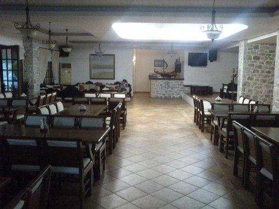 Kastro Maini Hotel: Breakfast