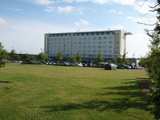 CityNorth Hotel & Conference Centre : A View of the Hotel in the Morning