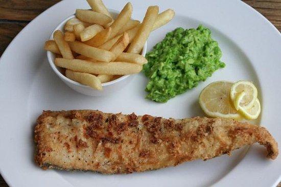 Tapas Food & Wine Bar: Fresh fish n chips @ Tapas