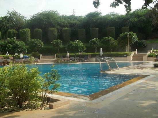 The Grand New Delhi : Pool