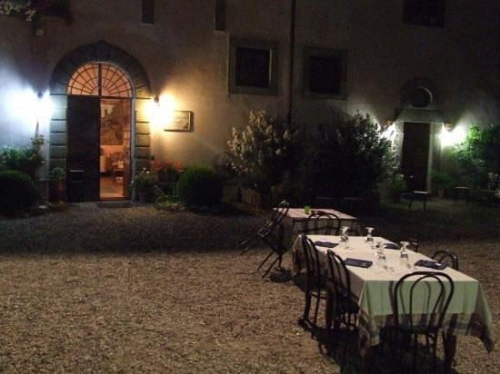Agriturismo Le Caselle: fresche sere d'estate a cena a LE CASELLE