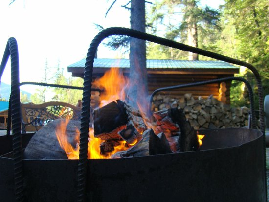 Chilkoot Trail Outpost: Smores by the Campfire