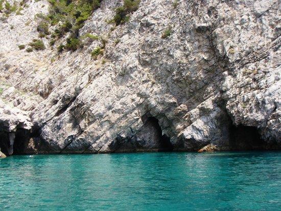 Green Grotta: Il colore smeraldo dell'acqua