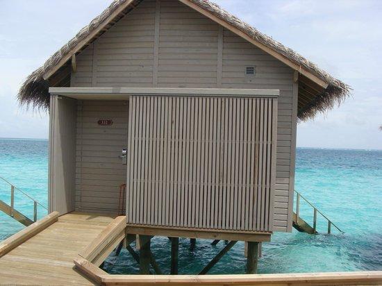 Centara Ras Fushi Resort & Spa Maldives: Water Villa I stayed