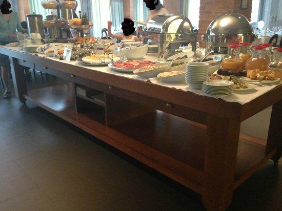 Bluesun Hotel Kaj: Breakfast