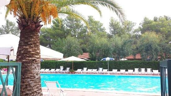 Arco Naturale Club: la piscina grande