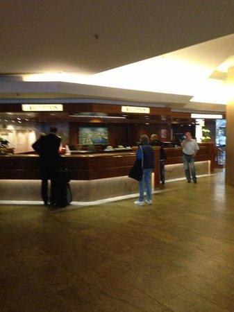 Grand Elysée Hotel Hamburg: الاستقبال
