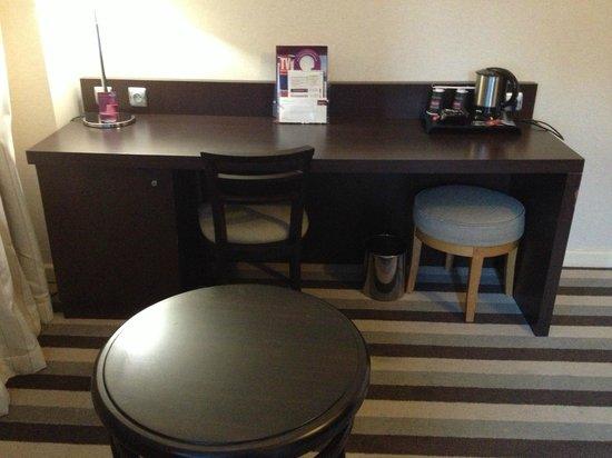 Mercure Rouen Champ de Mars Hotel : Chambre spacieuse