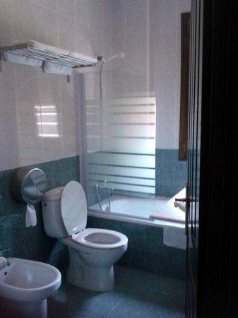 Hotel Casa Reboiro: baño