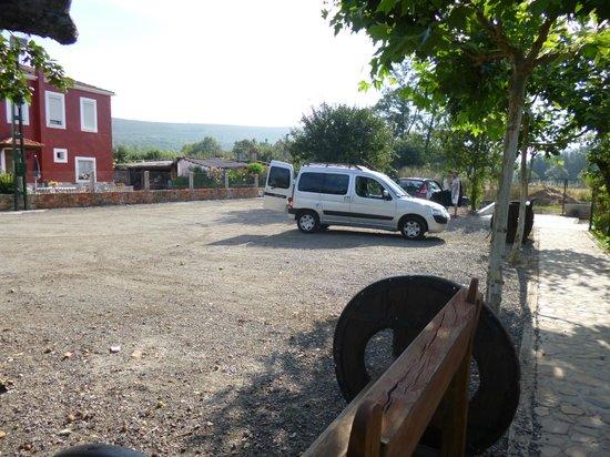Casa Reboiro: parking