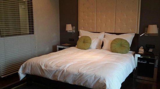 Movenpick Hotel Hanoi : Bed