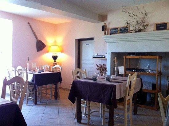 Relais de Dettey: Dining room
