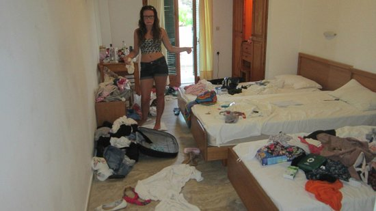 Chandris Apartments: Room