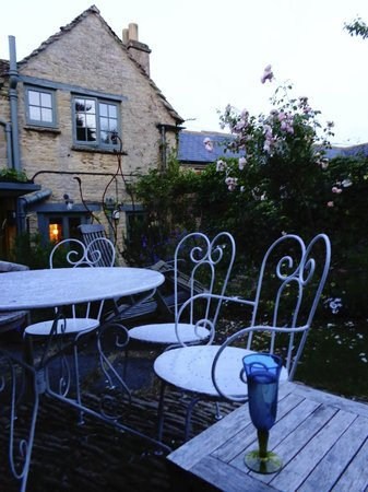 A summer evening in the garden at Star Cottage