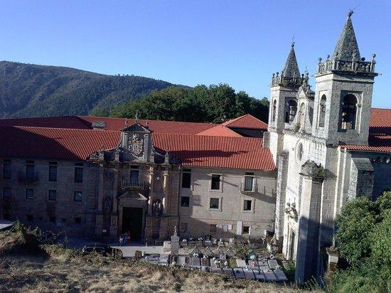 Parador de Santo Estevo: Vista desde la entrada arriba
