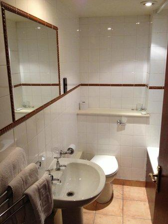 The Original Raj Hotel : bathroom