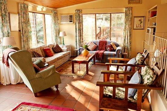Tamboti Ridge Bed & Breakfast: DSTV lounge