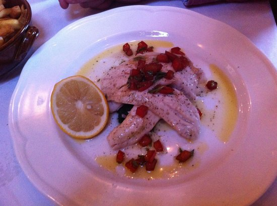 Gusto Heswall: Sea bass....beautiful