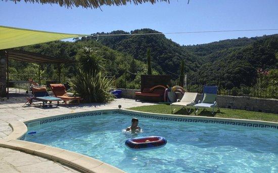 Mas Suejol: Vue de la piscine