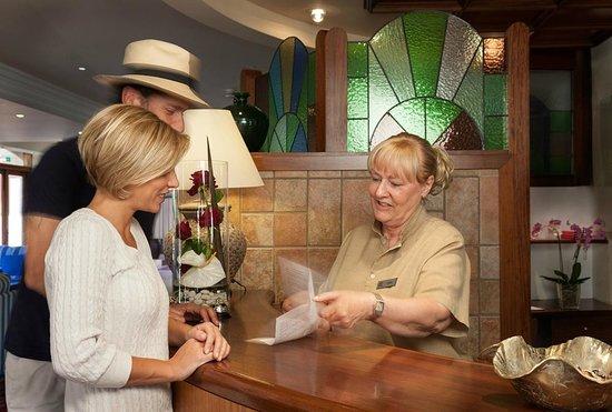 Hotel Cala Sant Vicenc: Recepción