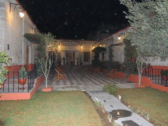 Hotel Casona Solar: Cortile interno con giradino Casona Solar