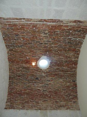 Hotel Casona Solar: Lucernaio stanza ad circa 4 metri d'altezza Casona Solar