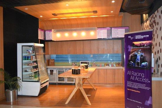 Hotel 6 Chandigarh Zirakpur: Coffee Shop