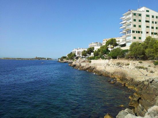 Hotel Riu Palace Bonanza Playa: Вид на побережье от бассейна -2