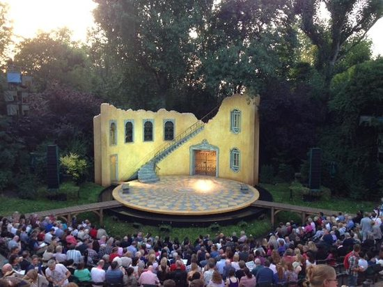 ‪Regent's Park Open Air Theatre‬
