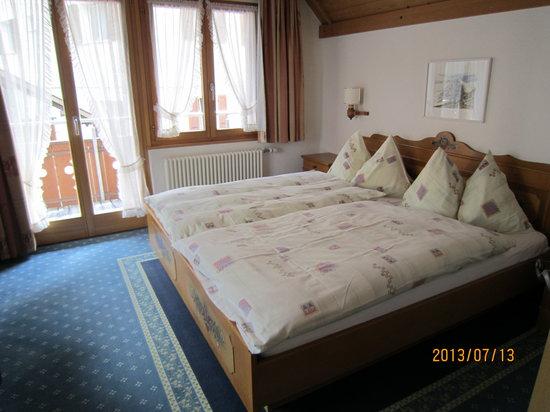 Hotel Hirschen: きれいな部屋です