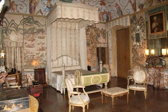 Castello e Parco di Masino : stanza
