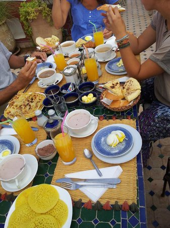 Riad Tamarrakecht : Desayuno en la terraza