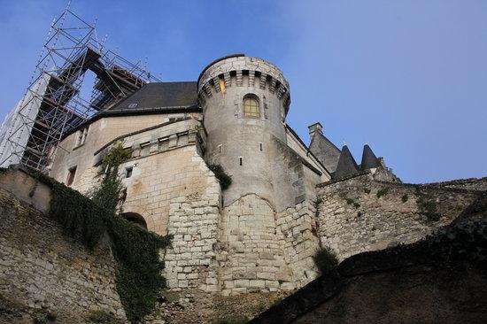 Chateau de Palluau-Frontenac : chateau depuis la place FRONTENAC