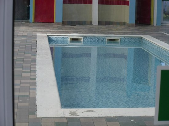 Suffolk Sands Holiday Park - Park Holidays UK: A view of the baby/toddler pool which needs some attention in my opinion