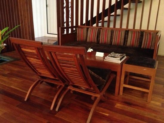 Frangipani Spa: furniture