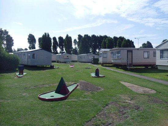 Suffolk Sands Holiday Park - Park Holidays UK: crazy golf at Felixstowe Beach