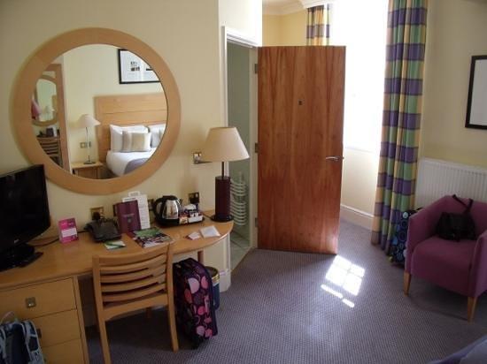 Devonport House: Double room from Door