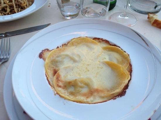 L'Osteria del Bigelli: ravioli funghi e formaggio