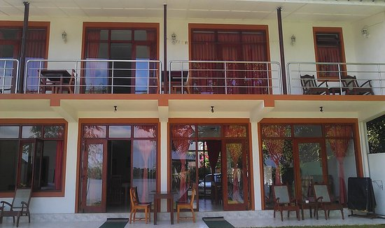 Riverside Inn Fuji Bentota: upstairs rooms with balcony