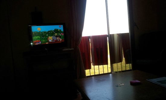 Domaine de Crecy: TV and View