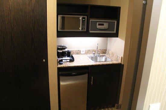BEST WESTERN PREMIER Freeport Inn & Suites: Cozinha disponível