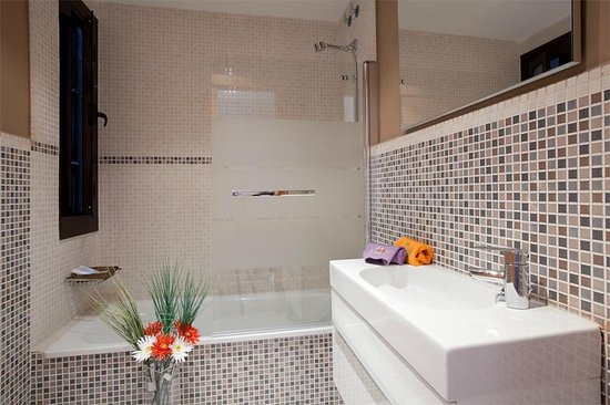 Suite Home Barcelona: Bathroom