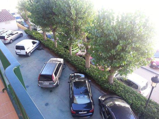 Prestige Coral Platja : vista del aparcamiento desde la habitacion