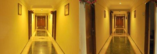 Hotel Chandan: Hotel Chadan Lobby Area